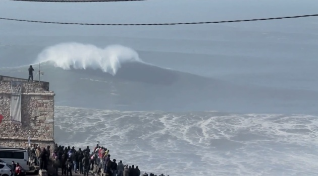Big Waves Nazare