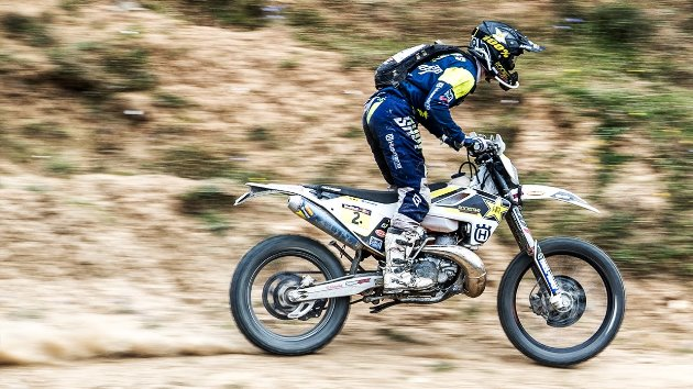 Enduro-Legend-Graham-Jarvis-Charges-to-the-Front-Romaniacs-Offroad-Day-2-Highlights