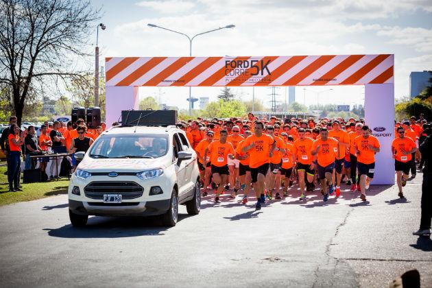 ford-llevo-a-cabo-su-maraton-solidaria-de-5k-en-la-planta-pacheco-2