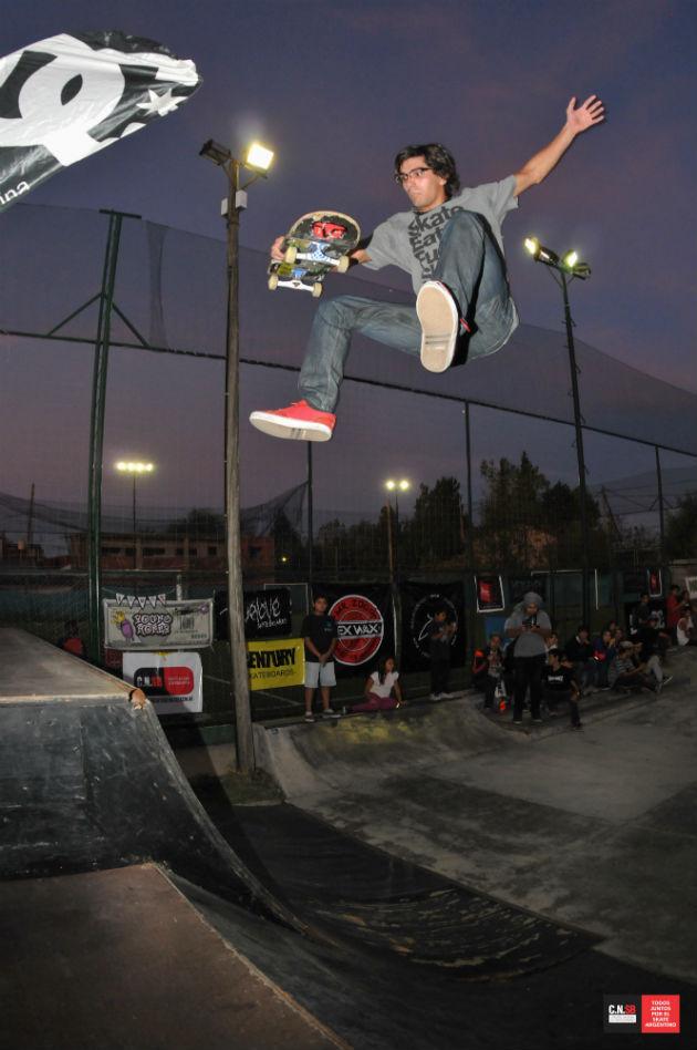 NICOLAS FERNANDEZ fs flip indy grab