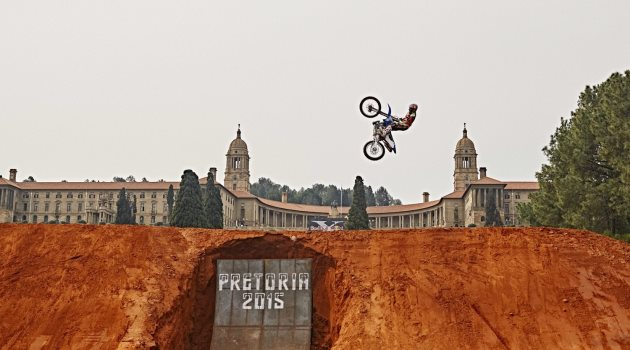red-bull-x-fighters-2015-pretoria-thomas-pages-victoria